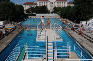Piscines en is re for Piscine jean bouin nice horaires