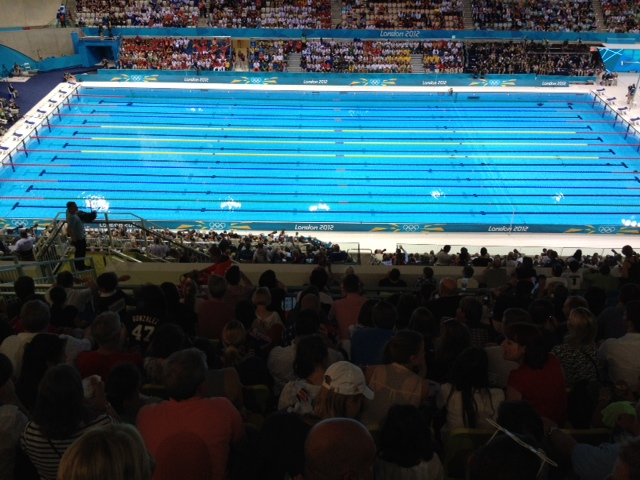 En direct de la piscine olympique victoire historique de for Piscine 20eme