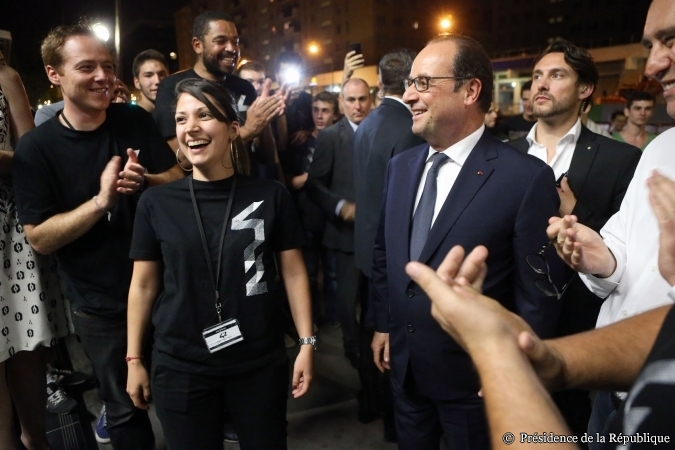 Francois_Hollande_ecole_42