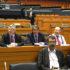 Aux côtés des autres membres de délégation socialiste française