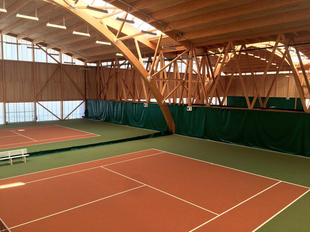 Un complexe sportif digne d'une grande ville internationale, avec ses douze courts couverts