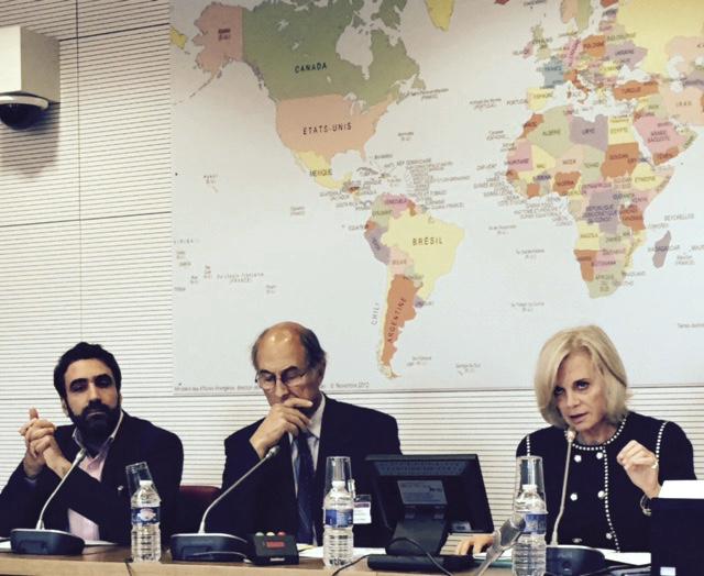 De gauche à droite, Philippe Jahshan, Serge Michailof et Élisabeth Guiguou
