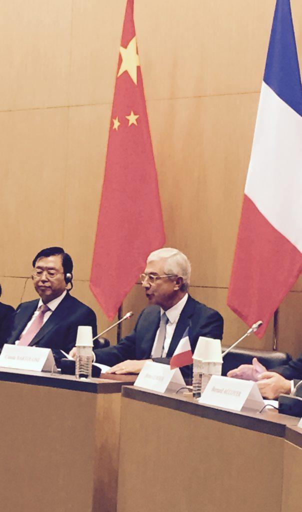 Claude Bartolone, président de l'Assemblée nationale, et Zhang Dejiang, président du Comité permanent de l'Assemblée populaire nationale de Chine