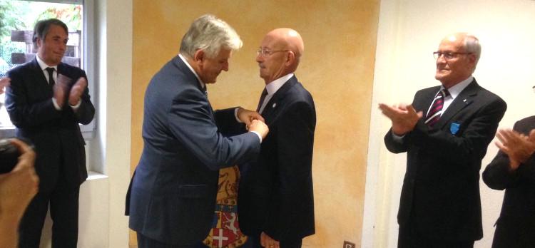 Ordre national du Mérite : remise des insignes à Gérard Raynaud