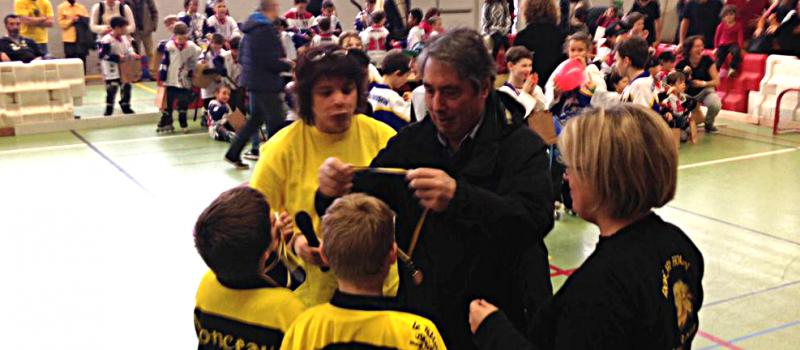Un après-midi sportif à Sassenage : badminton et roller hockey !