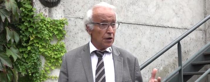 Jean-Pierre Cerdan, secrétaire général d'ESF, a reçu les insignes de chevalier de la Légion d'honneur