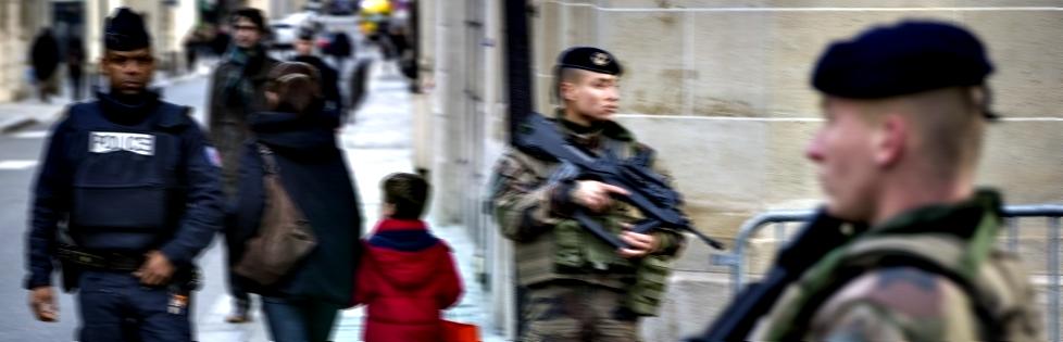 Pour rendre hommage à toutes les forces de sécurité qui défendent nos concitoyens et nos valeurs universelles